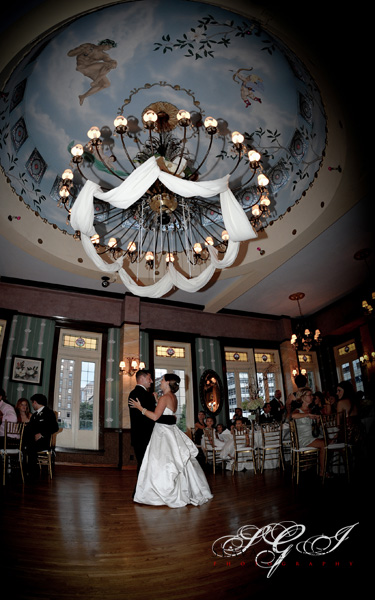 beautiful magnolia ballroom wedding recepiton