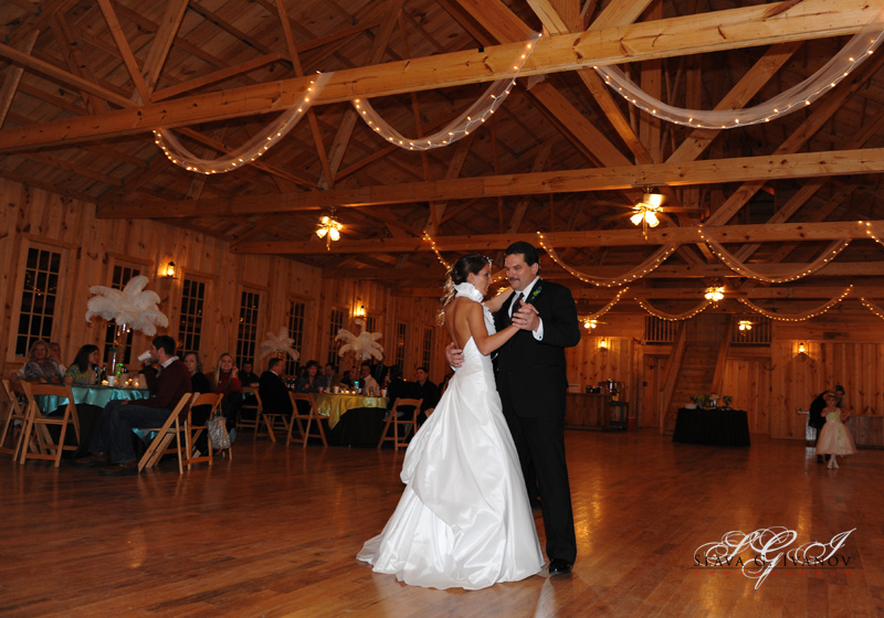 Father dancing with his daughter at texas wedding