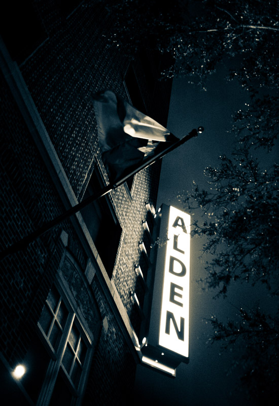 Hotel Alden at night